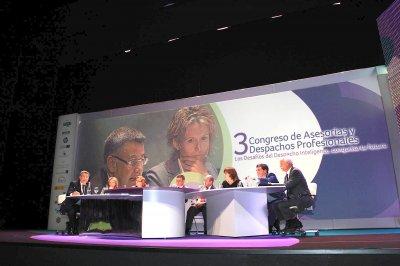 Los retos de los despachos profesionales ante la crisis. III Congreso de Asesorías y Despachos Profesionales organizado por SAGE