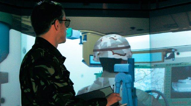 Ingenieros visualizan imágenes estereoscópicas 3D de prototipos de vehículos militares antes de fabricarlos con Siemens PLM. Case Study en inglés.