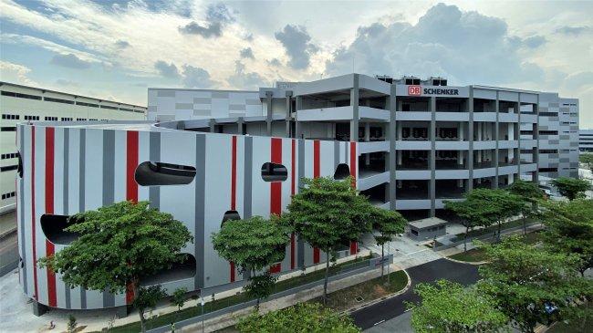 DB Schenker monta en Singapur un almacén de 51.000 m2 con robots de visión 3D
